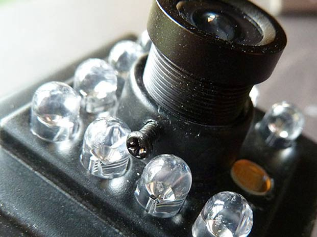 Lens-Grub-Screww-621