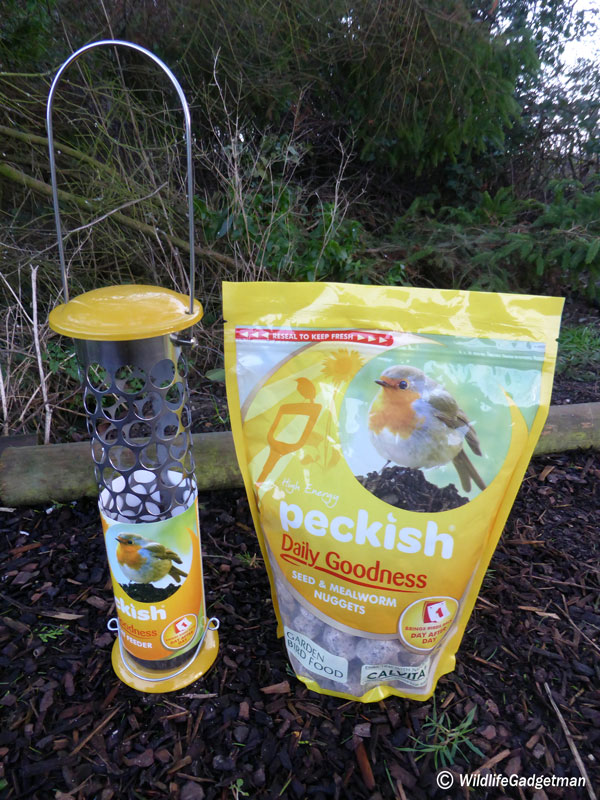 Peckish-Nuggets-And-Feeder-2-600
