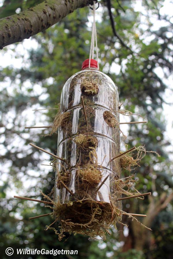 Bottle-Nest-Material-Dispenser-001-600